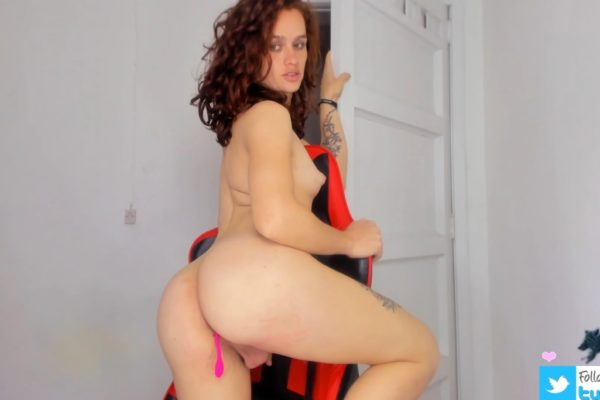 Nicollesexxx Will Have You Drooling Over Her Booty