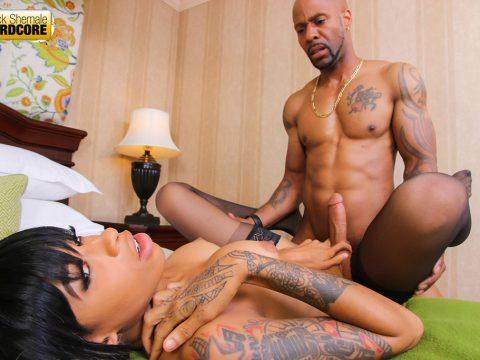 Sexy Slim Erika Takes On Big Soldier Boi