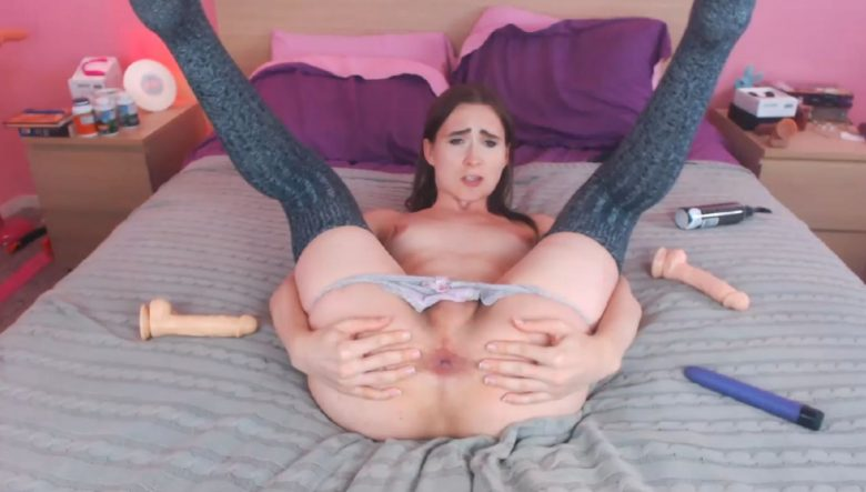 JessicaFappit Gives A Deeply Penetrating Performance