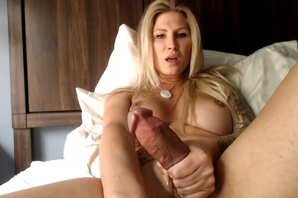 DanniDaniels Has The Hottest Cumshows