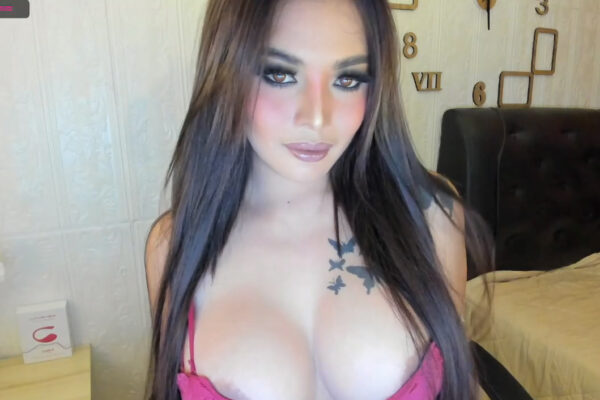 Booty, Boobies And A Blowjob From Lovelybitchintown